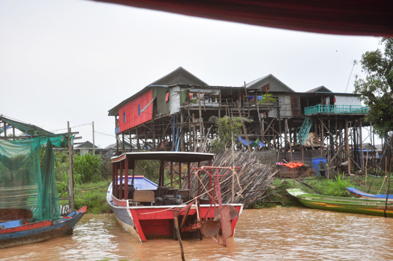 On Tonle Sap Lake Snatch Tour
