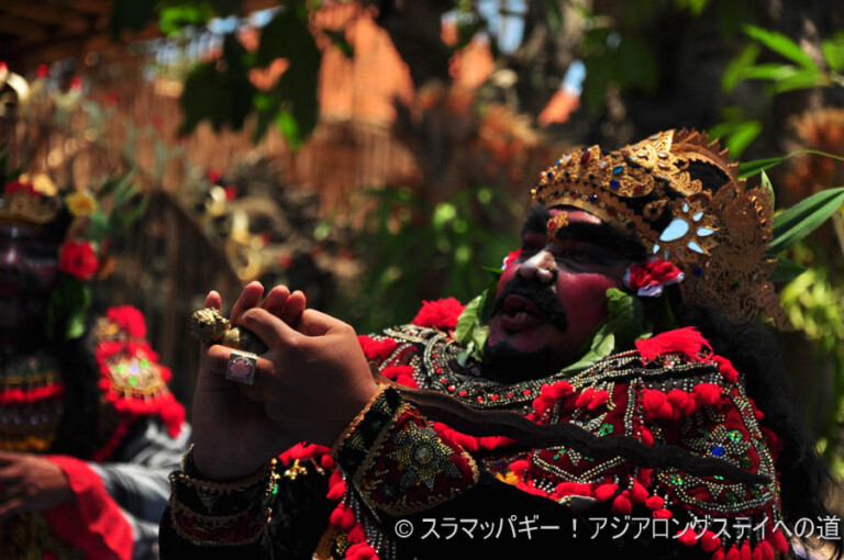 Bali ・ A gorgeous and peaceful cremation ceremony and a masterpiece of dance